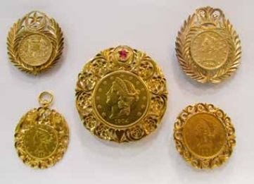 Jewellery created around from gold coins