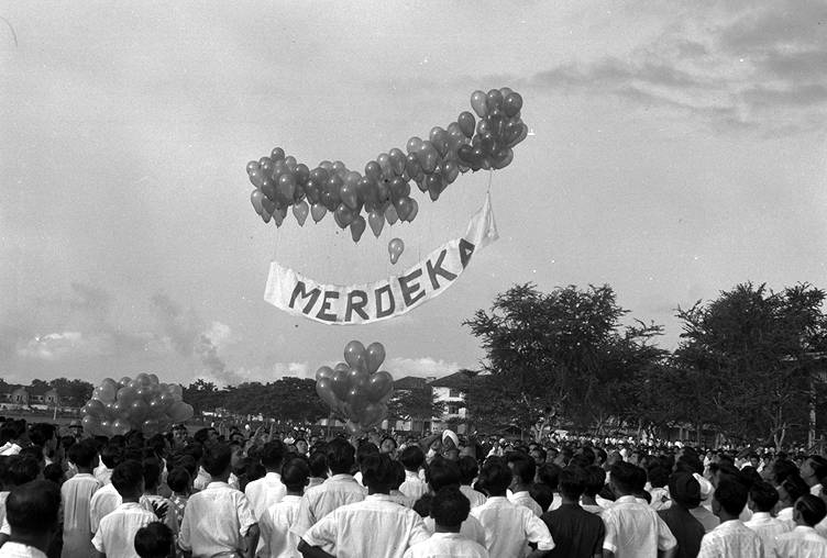 Merdeka rally at Farrer Park in Singapore, 17 Aug 1955. This rally was by PAP, when it was an Opposition party to the then ruling Labour Front government of Chief Minister David Marshal. Image from Wikipedia.