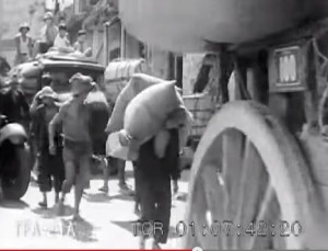 SG 1938 Sg River upstream - bullock cart & lorries - 2kids 2